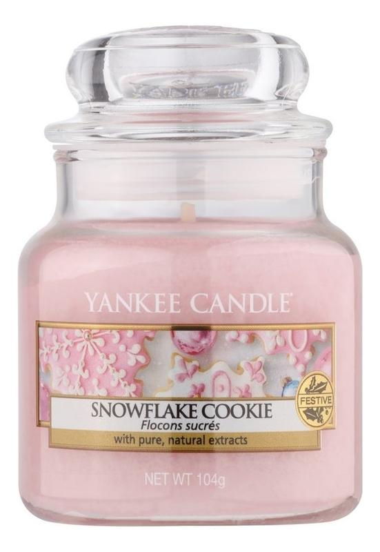 Ароматическая свеча Yankee Candle Snowflake Cookie Свеча 104 г купить, цены в Москве на goods.ru