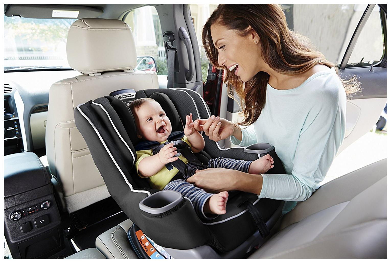 Автокресло обеспечивает ребенку комфорт и безопасность