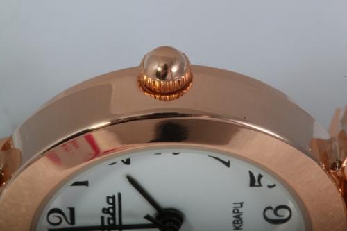 Наручные кварцевые часы Слава Инстинкт 6159195/2035