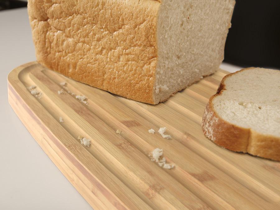Хлебница пластиковая с разделочной доской из бамбука чёрная