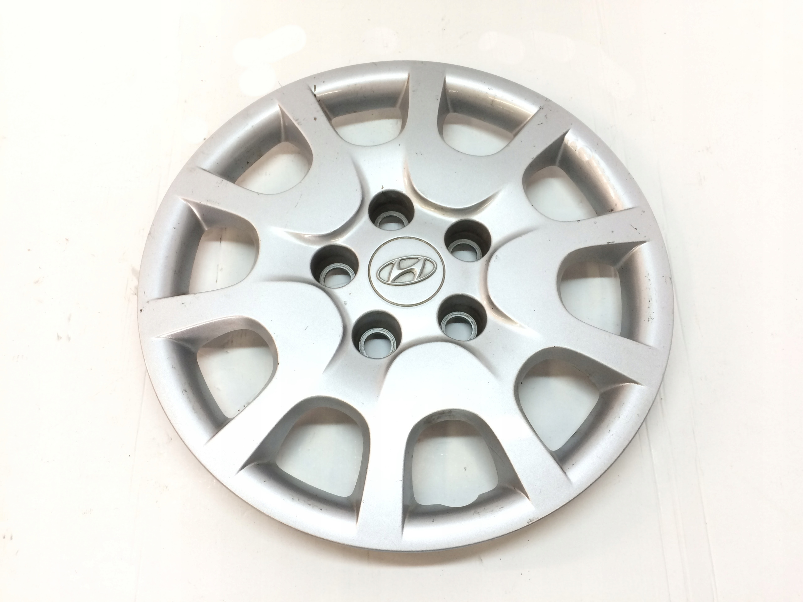 Декоративный колпак колесного диска Hyundai KIA