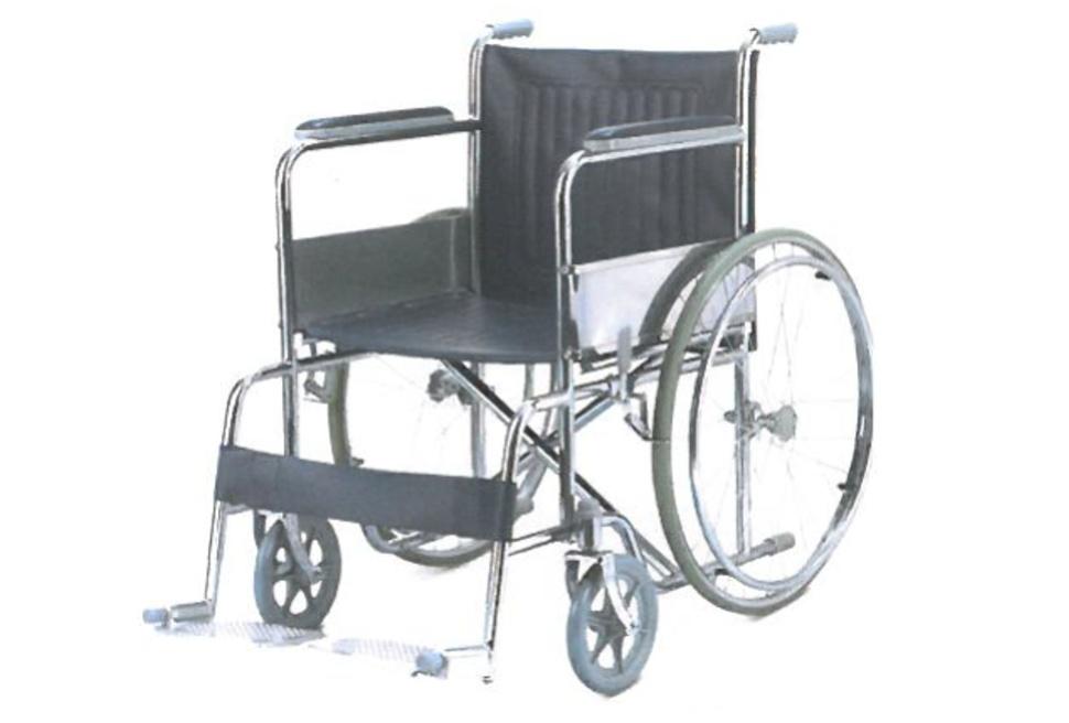 Кресло коляска инвалидная с принадлежностями LY