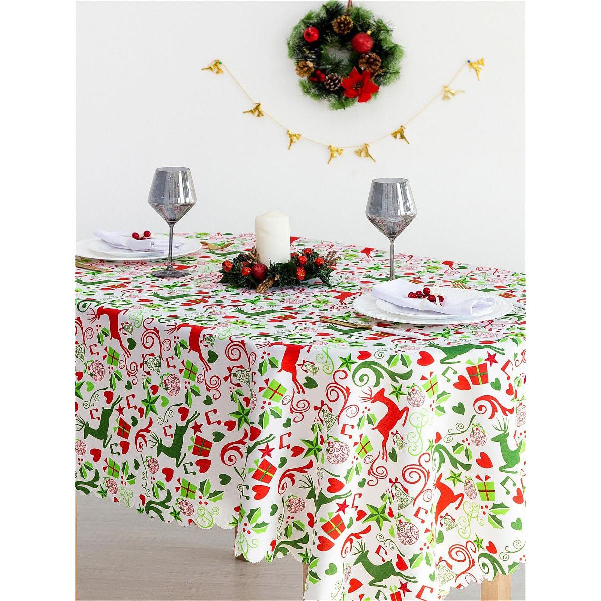 Скатерть Доляна «Рождественские подарки» 110×145 см