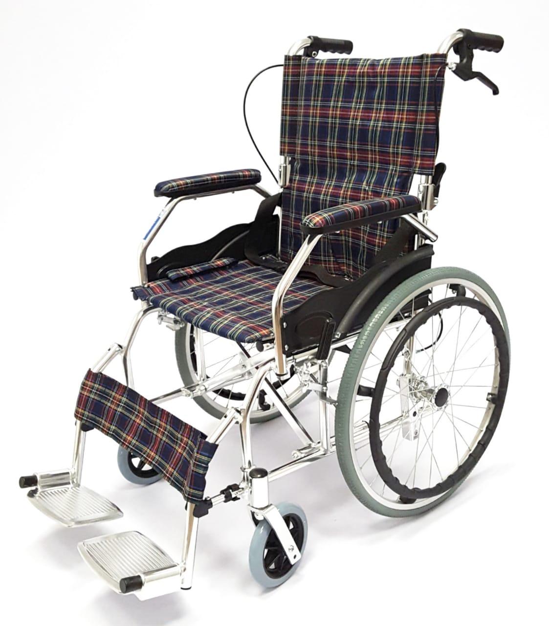 Кресло коляска инвалидная складная LY 250