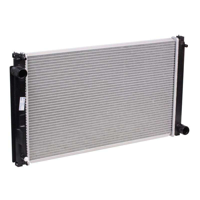 Радиатор охлаждения Luzar для Toyota RAV