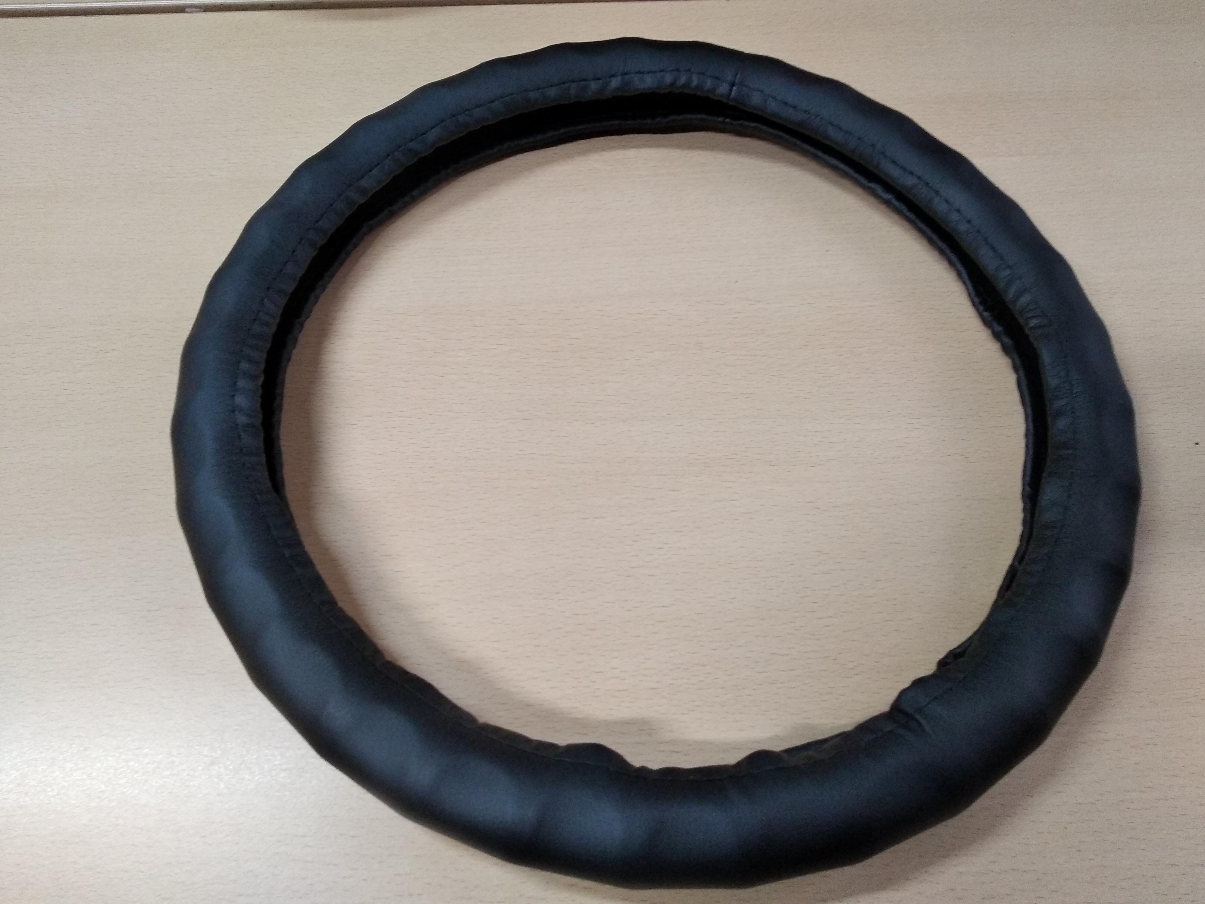 Оплетка на рулевое колесо AVTOLIDER1 М