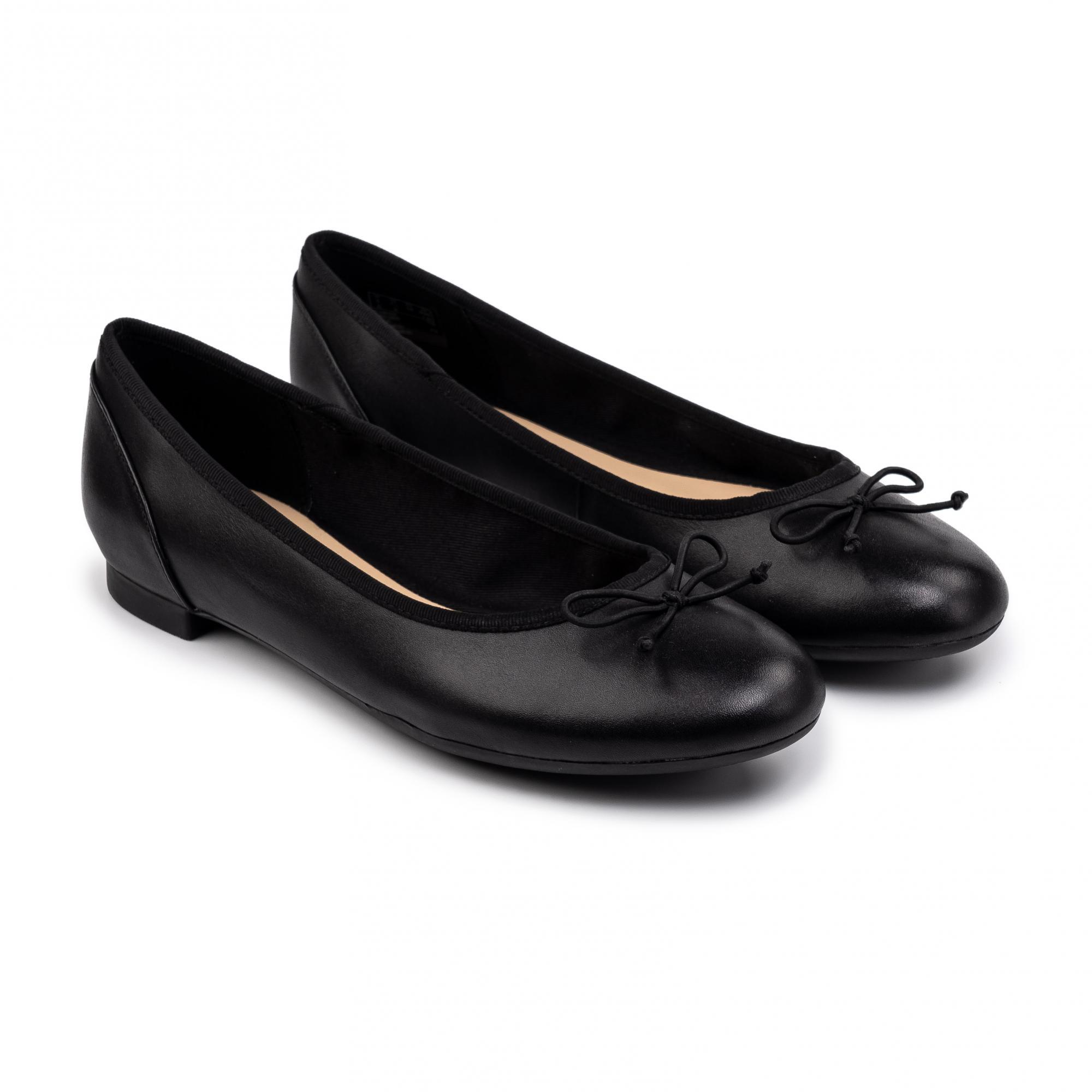 Балетки женские Clarks Couture Bloom 26115485 черные 37 EU