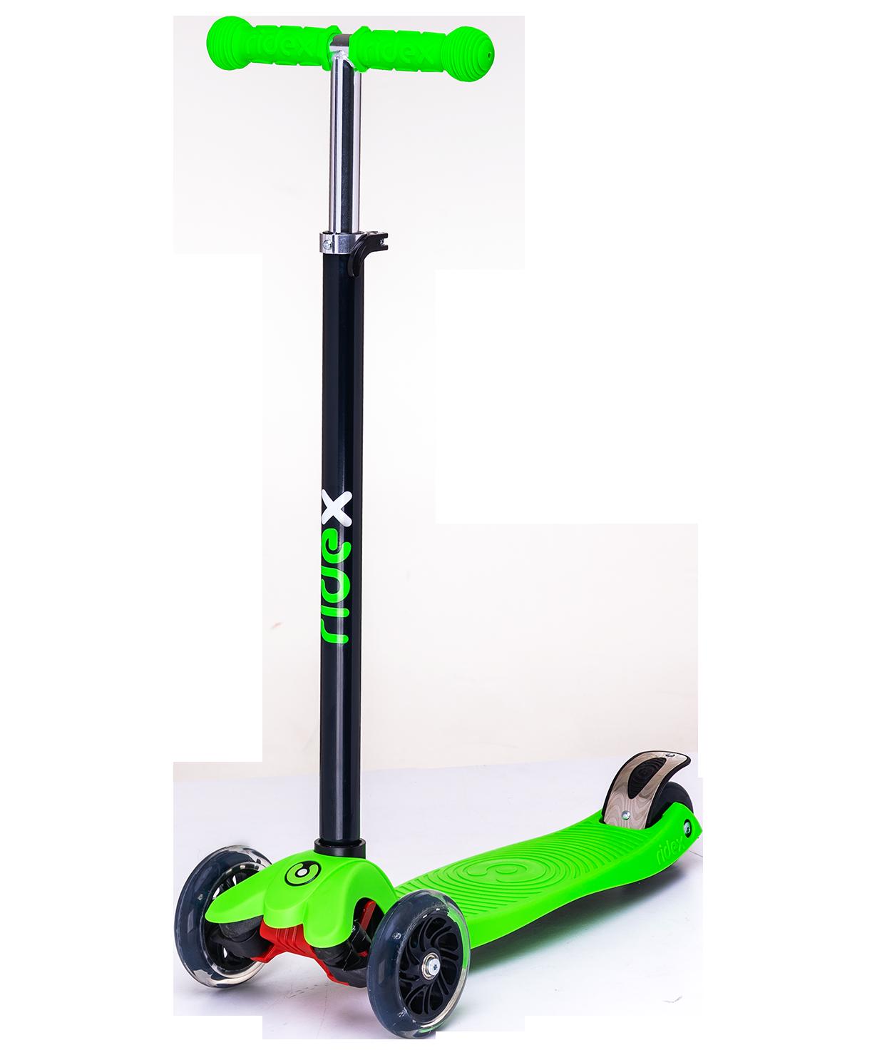 Трёхколёсный самокат Ridex Snappy 3D детский зеленый со светящимися колёсами
