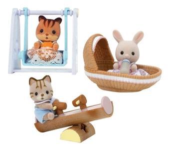 Купить Игровой набор sylvanian families «игрушка младенец в пластиковом сундучке», Игровые наборы