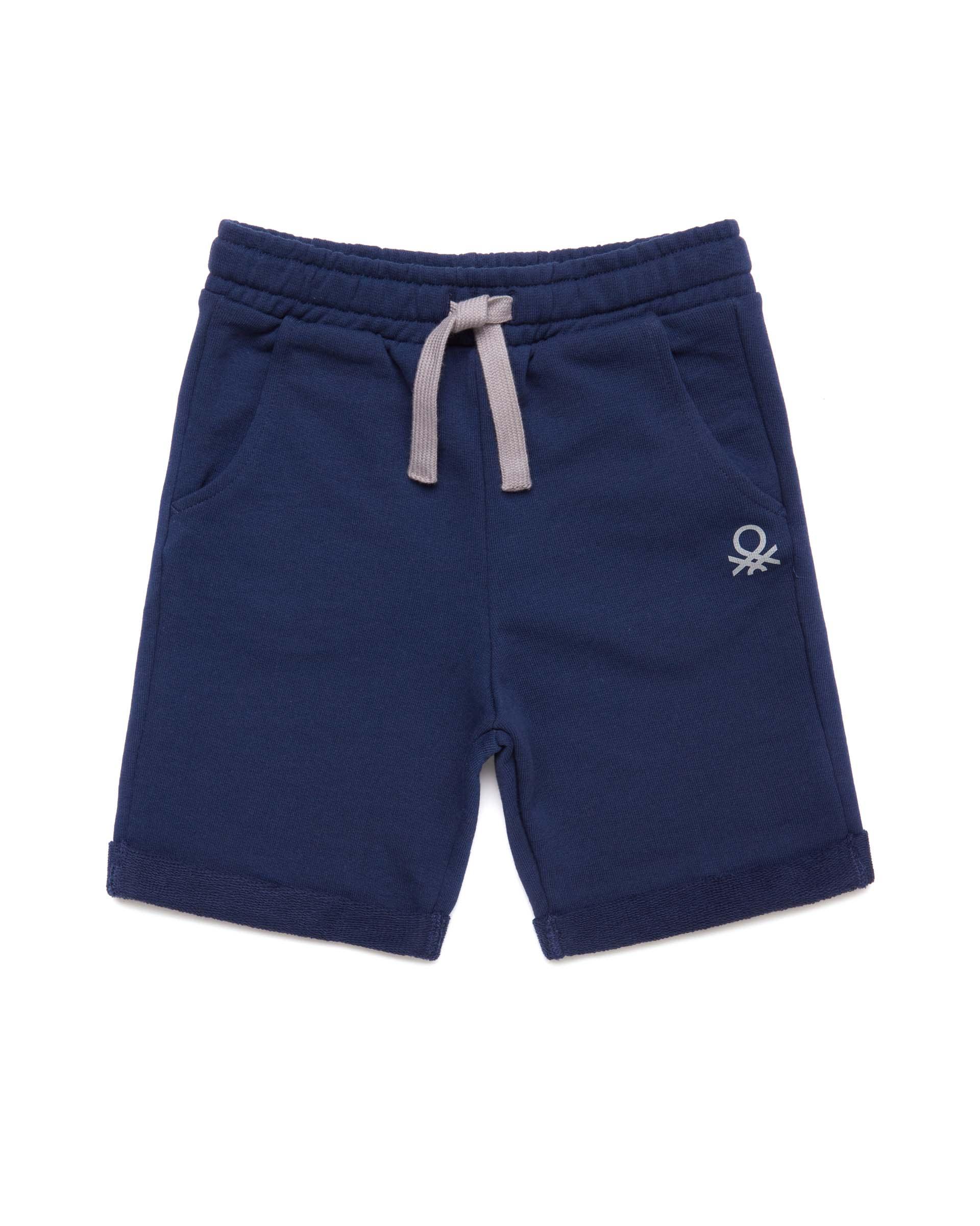 Купить 20P_3J68I0638_252, Спортивные шорты для мальчиков Benetton 3J68I0638_252 р-р 128, United Colors of Benetton, Шорты для мальчиков