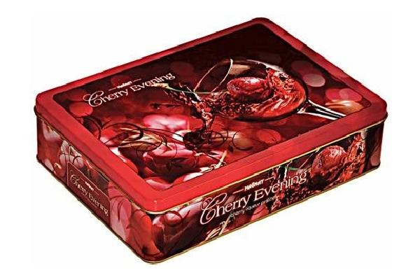 Фотография Конфеты Magnat сherry еvening пралине из темного шоколада с вишневым ликером 250 г №1