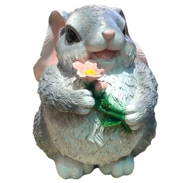 NONAME Фигура садовая декоративная Зайка с цветком большой