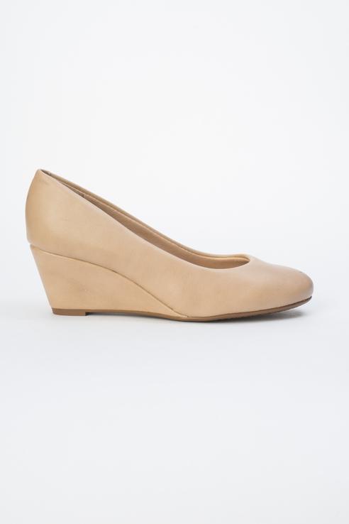 Туфли женские Beira Rio 646-01-BBR-03-PT бежевые 40 RU фото