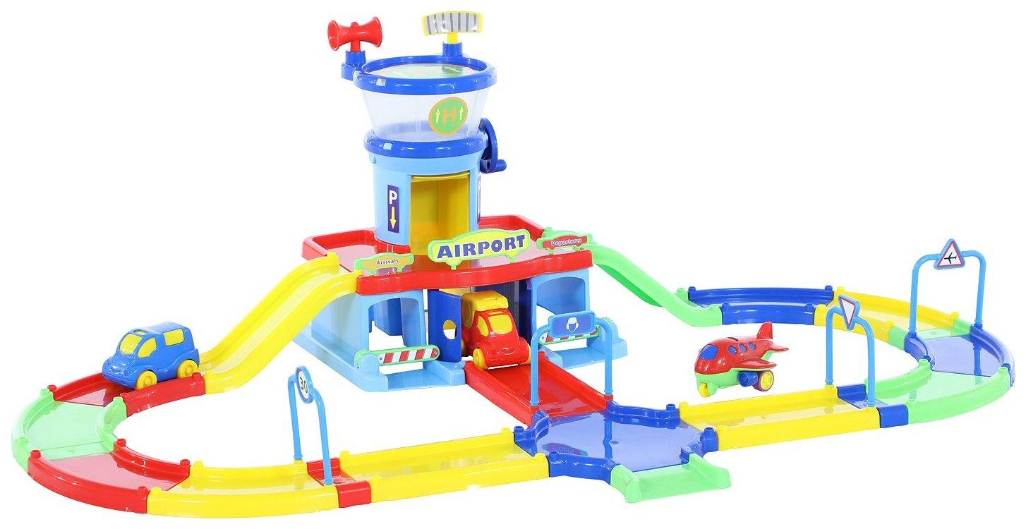Аэропорт Wader Play City с дорогой