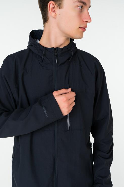 Куртка мужская Under Armour 1290516-001 черная S