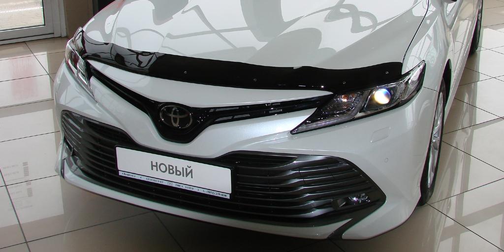 Дефлектор капота темный Toyota Camry, 2017-