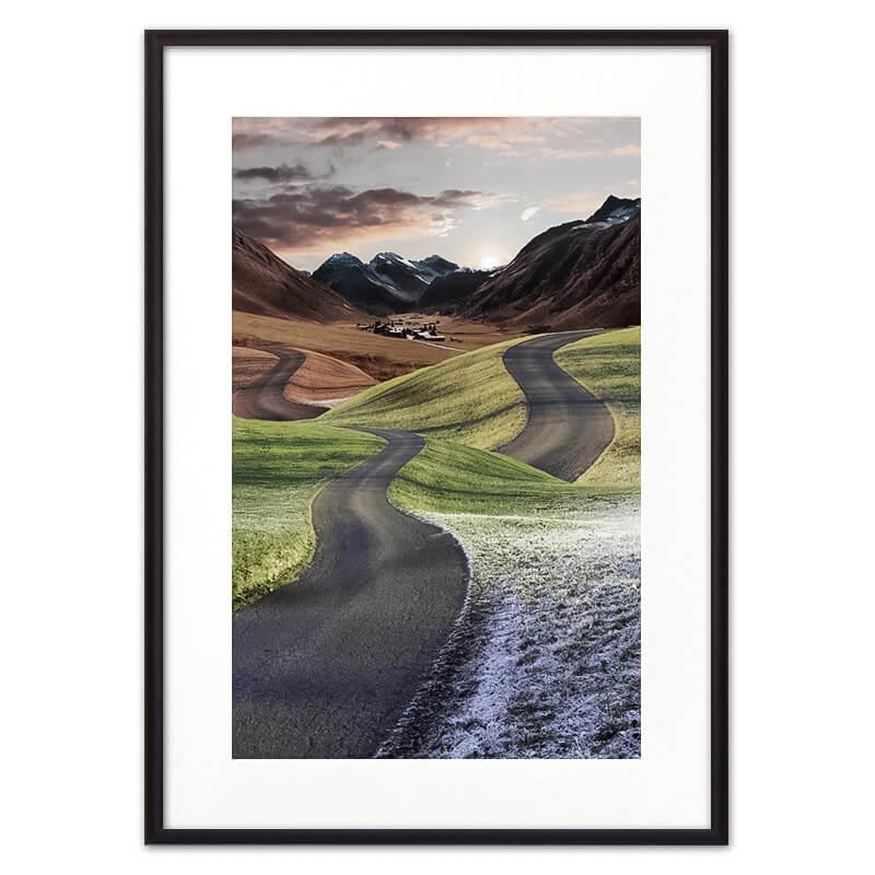 Постер в рамке Дорога в холмах 50х70