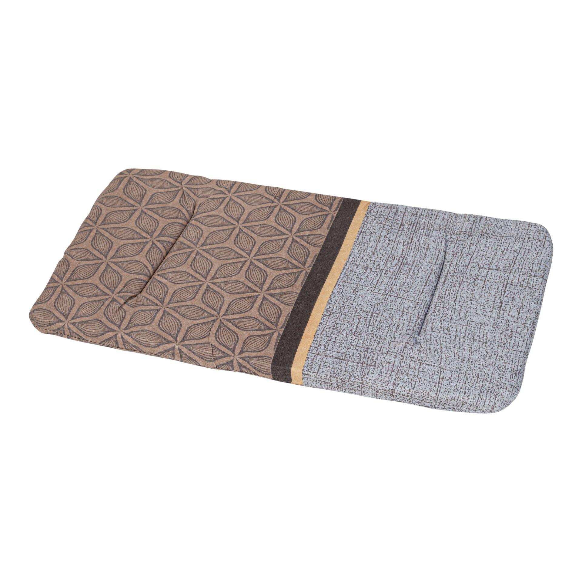 Лежак в переноску для собак и кошек Xody Эконом №3, цвета в ассортименте, 50х30х2 см
