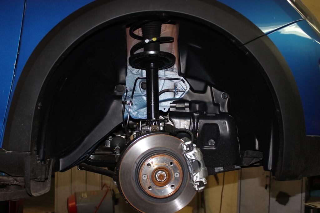 Подкрылок TOTEM Renault Sandero Stepway, 11/2014, хб. передний правый
