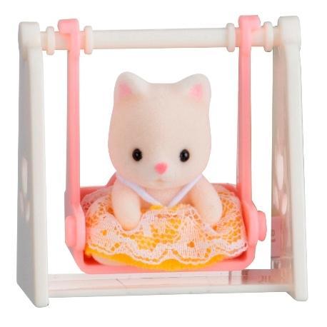 Купить Игровой набор sylvanian families младенец в пластиковом сундучке (кошка на качелях), Игровые наборы