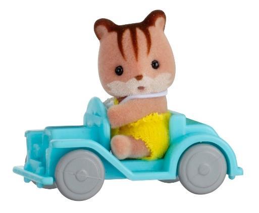 Купить Игровой набор sylvanian families младенец в пластиковом сундучке (бельчонок на машине), Игровые наборы