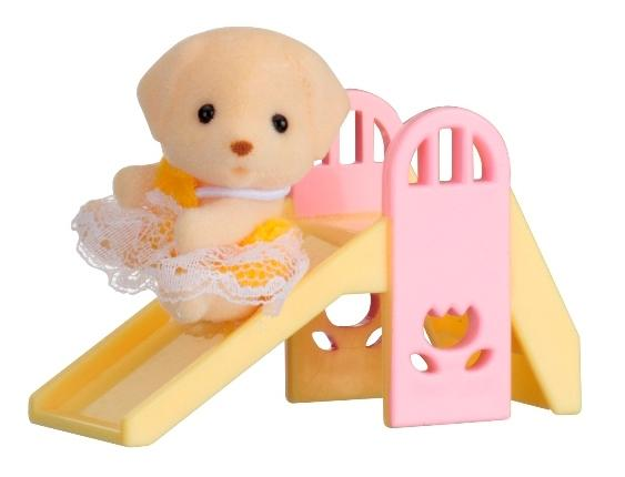 Купить Игровой набор sylvanian families младенец в пластиковом сундучке (собачка на горке), Игровые наборы