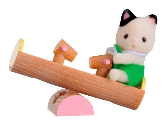 Купить Игровой набор sylvanian families младенец в пластиковом сундучке (котенок на качелях), Игровые наборы