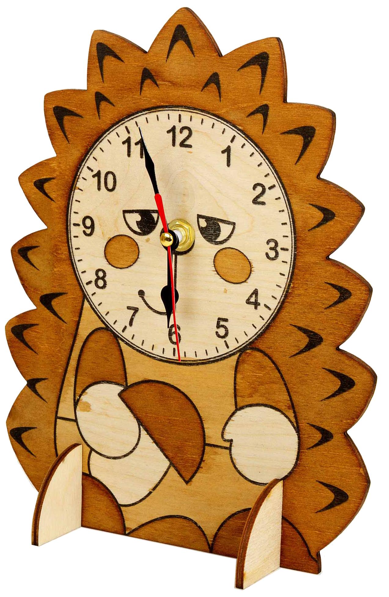 Поделка Тридевятое царство Деревянные часы ежик фото