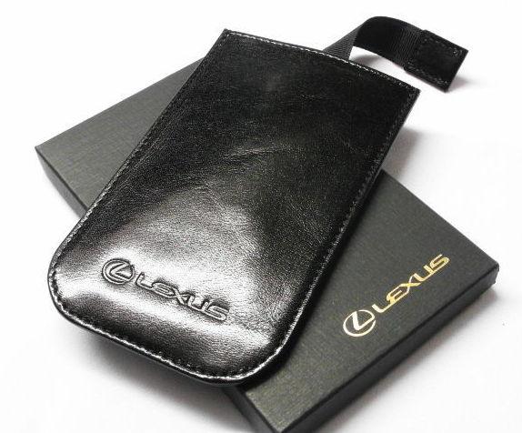 Кожаный универсальный чехол Lexus для смартфонов OT1100990L