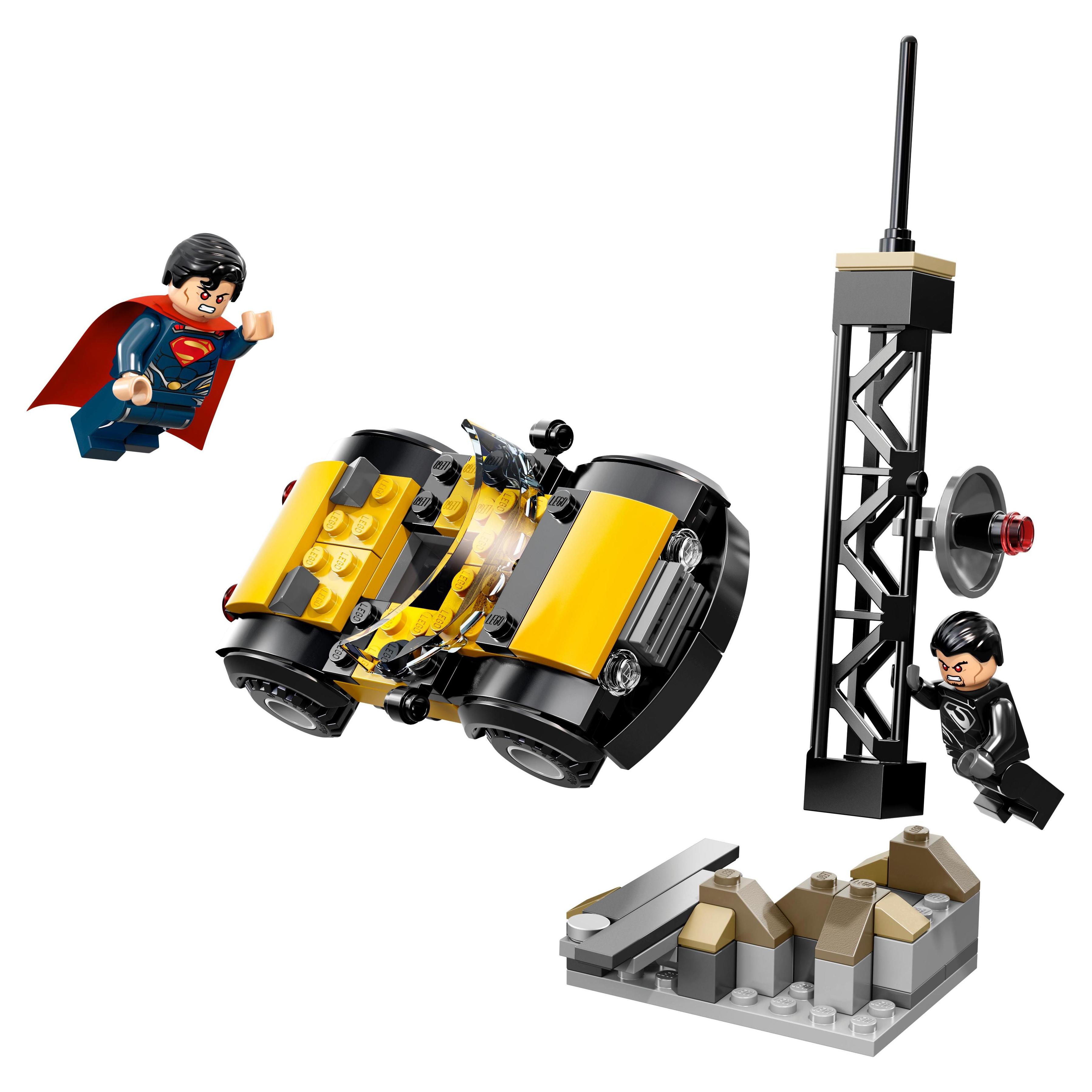 Купить Конструктор LEGO Super Heroes Супермен: Решающий поединок в Метрополисе (76002)