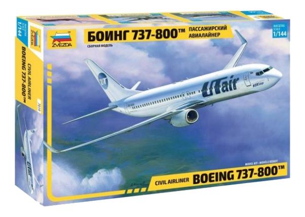 Модель пассажирского авиалайнера Боинг 737 800 Zvezda