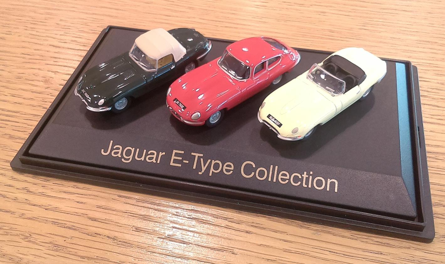 Набор из трех моделей Jaguar E-Type Set, Scale Model 1:76, артикул JBDC870NAZ