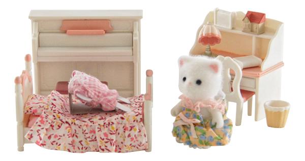 Игровой набор Sylvanian Families Детская комната бело-розовая фото