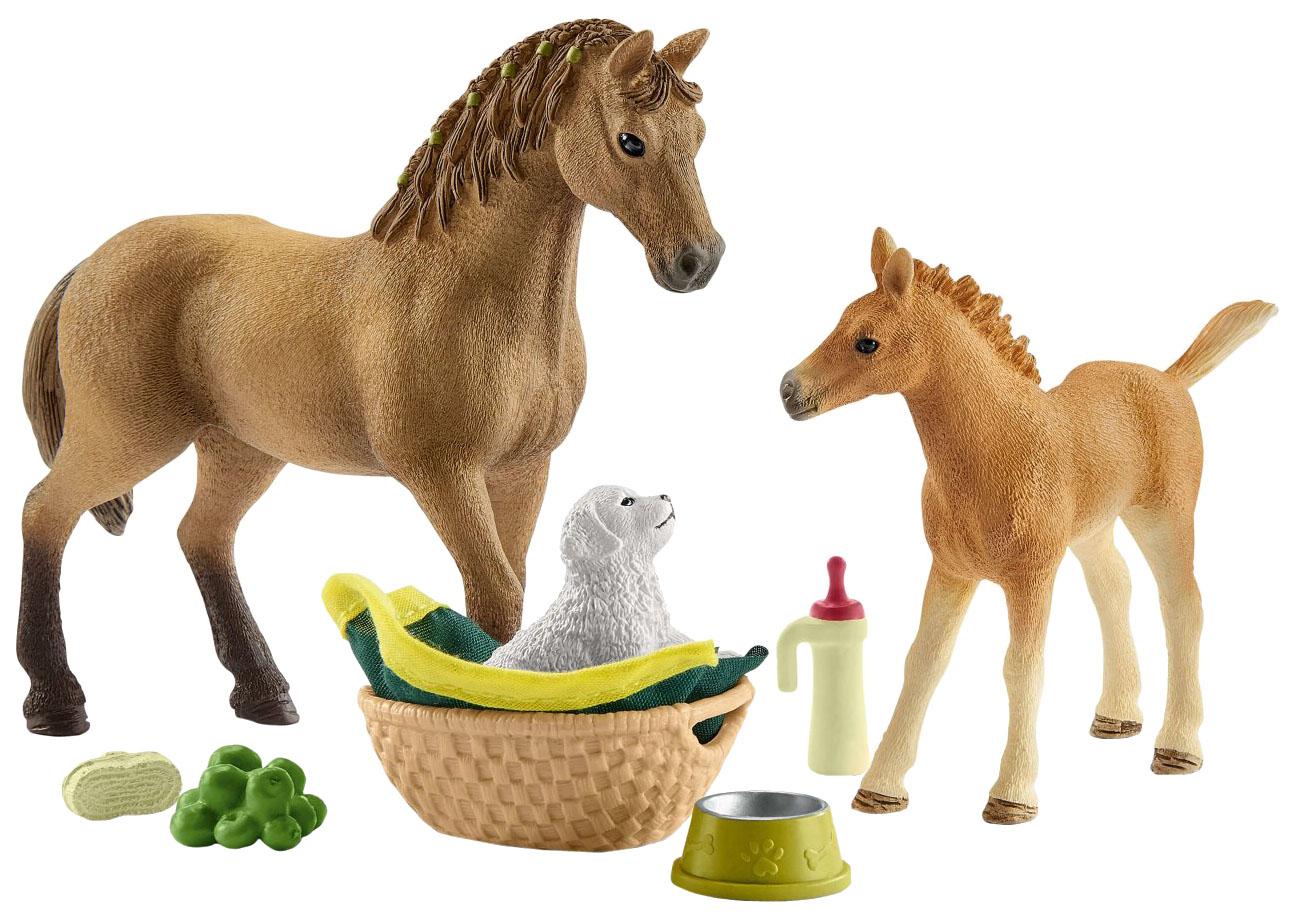 Купить Фигурка лошадки Schleich Horse Club: Сара ухаживает за детенышами домашних животных 42432, Игровые фигурки