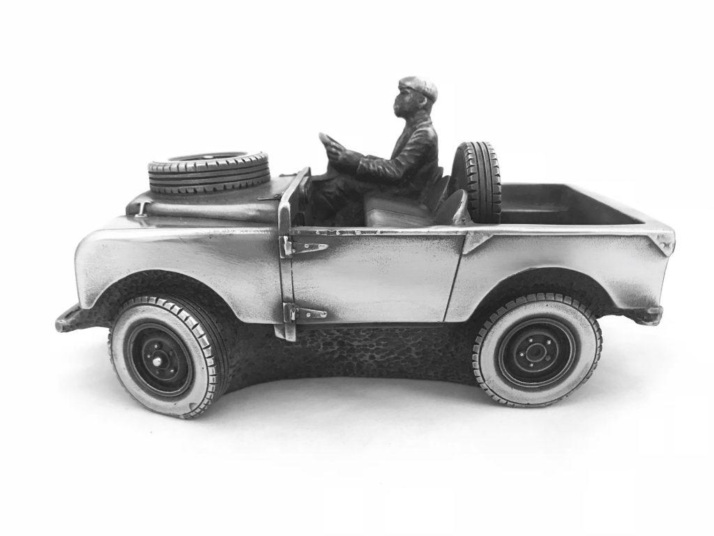 Скульптура автомобиль 'Land Rover Country Gent', металл,