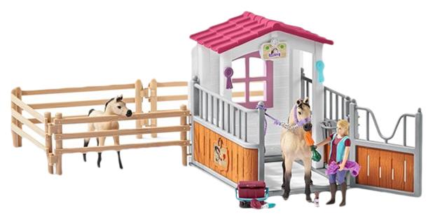 Игровой набор Schleich Стойло с арабскими лошадьми и девушкой-конюхом