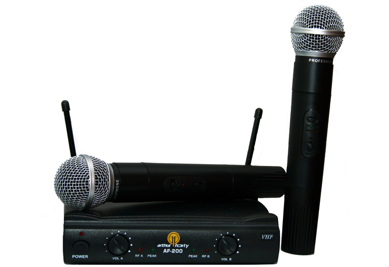 Вокальная радиосистема: 2 микрофона + база Arthur