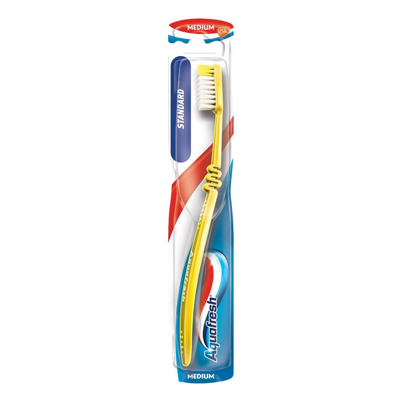 Зубная щетка Aquafresh Фемили средняя