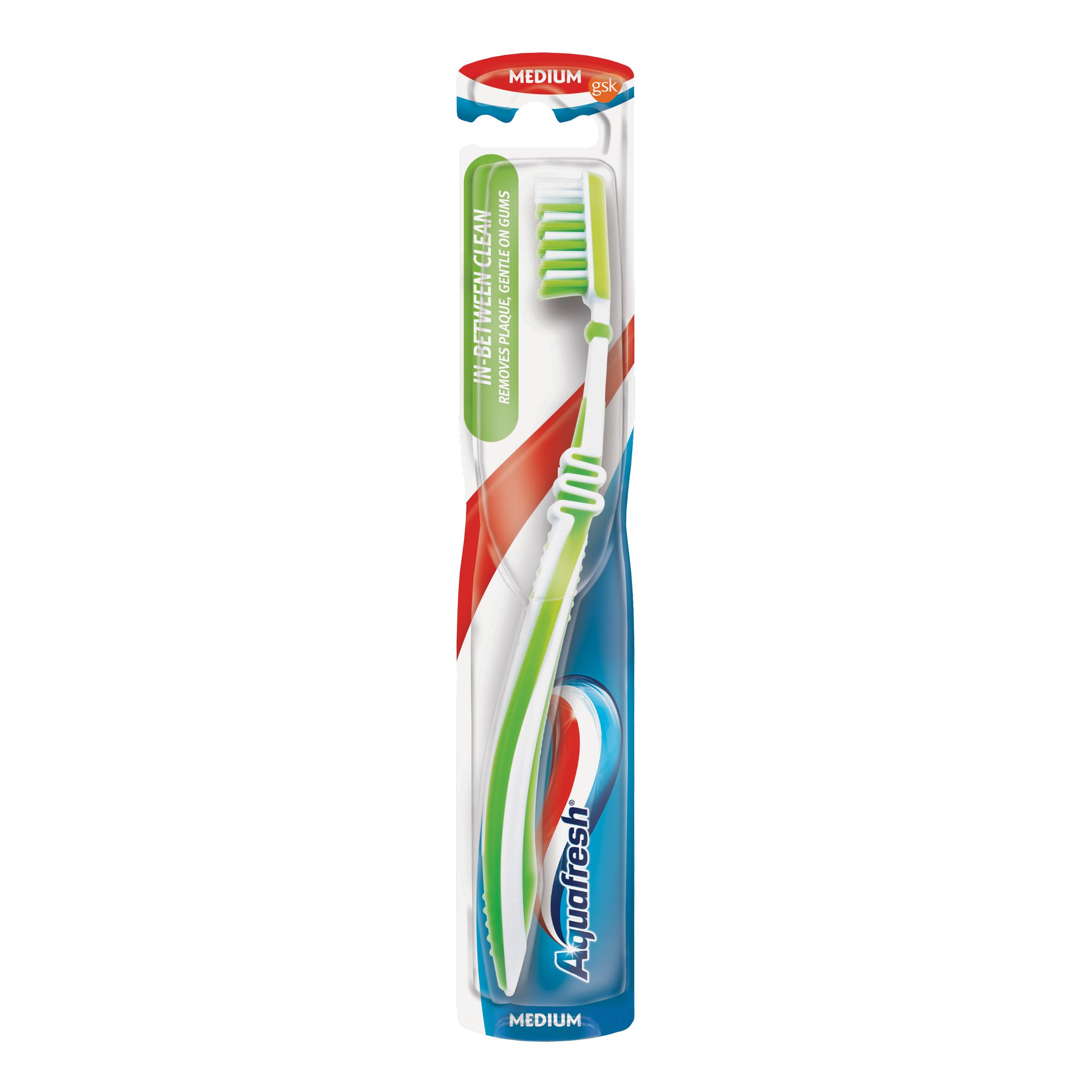 Зубная щетка Aquafresh In-between Clean