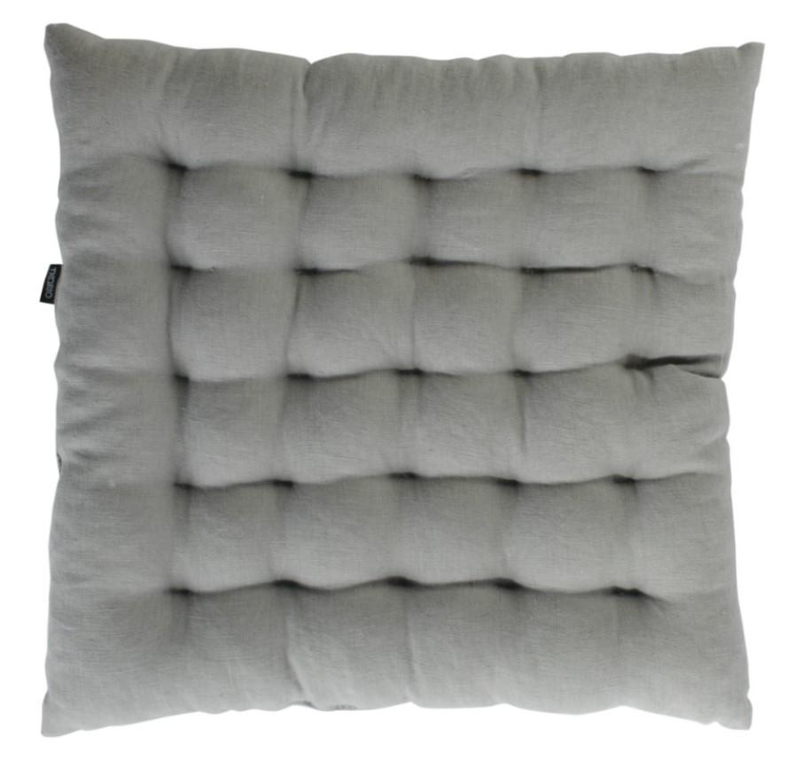 Стеганая подушка на стул из умягченного льна