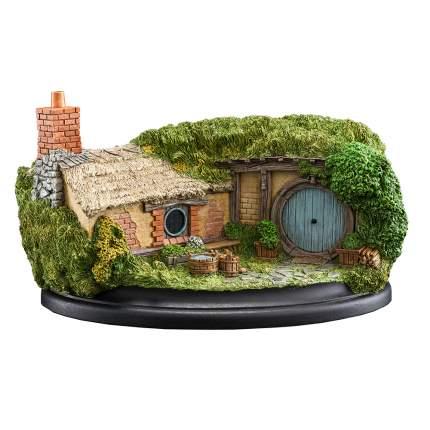 Фигурка в виде домика хоббита Weta Workshop The Hobbit: 5 Bagshot Row - Grey Door
