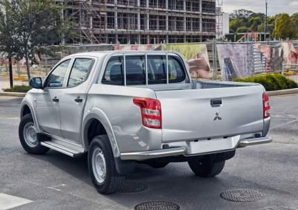 Защита заднего бампера d76 уголки Rival Mitsubishi L200 V 2015-2018, R.4011.006
