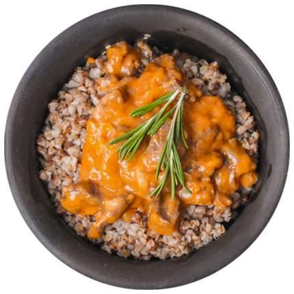 Каша Гречка с грибами овощами и острым соусом
