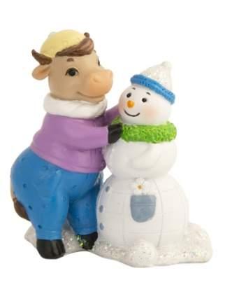 Новогодняя фигурка Коровка со снеговиком из полирезины Феникс Present 81386