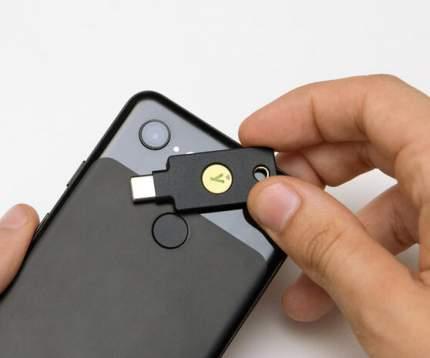 Ключ безопасности YubiKey 5C NFC