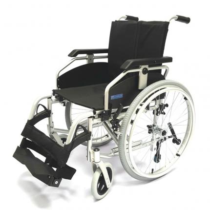 Кресло-коляска инвалидная складная LY-710 710-070 ширина сиденья 43 см колеса литые