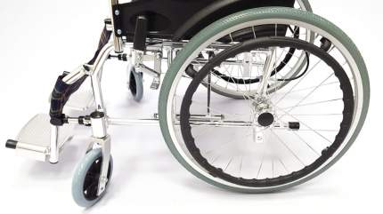 Кресло-коляска инвалидная складная LY-250 250-031A ширина сиденья 51 см колеса пневм.