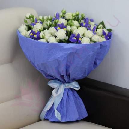 Букет FlorPro Синие ирисы и белые кустовые розы Normal