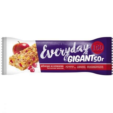 """Батончик ягодно-злаковый Everyday Gigant """"Яблоко и клюква"""", 50 г"""