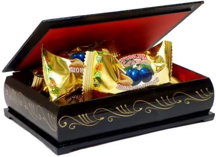 Чернослив Кремлина шоколадный с миндалем в сувенирной шкатулке масленица 150 г